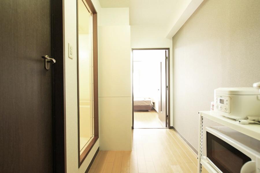 お部屋と同じく明るく清潔感のある玄関周辺
