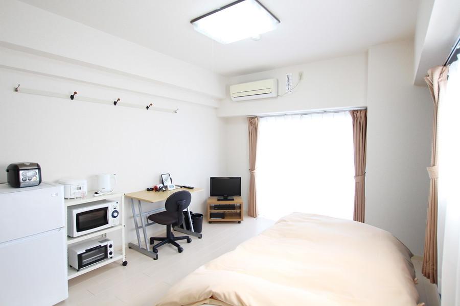 9.8帖のお部屋は白を基調としたスタイリッシュな色合いでまめられています