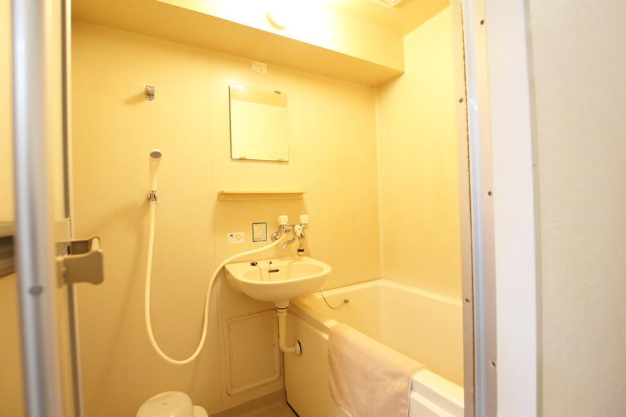 毎日使うバスルームは清潔感にあふれています