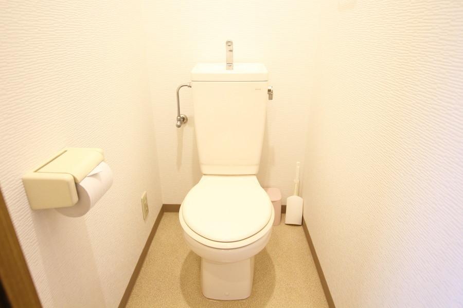 トイレは清潔感があり広くお使いいただけます