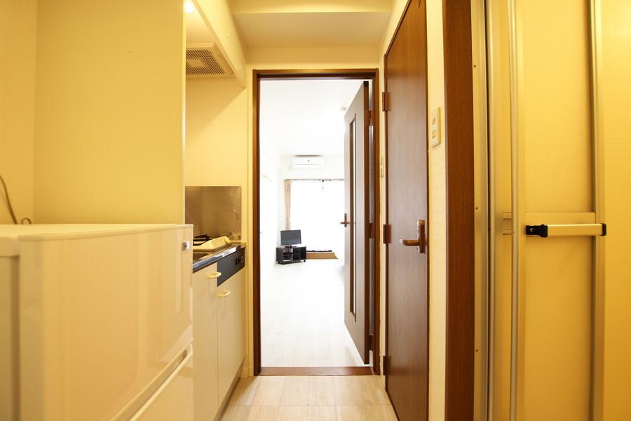 お部屋のドアは玄関からの目隠しにも