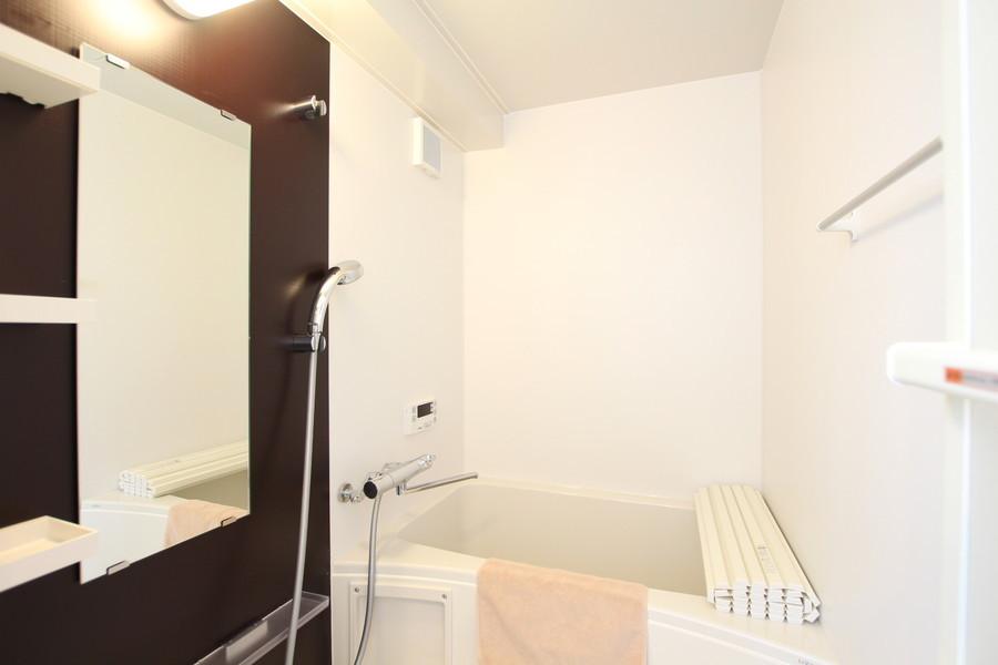 お風呂も室内と同じカラーリングで統一感があります