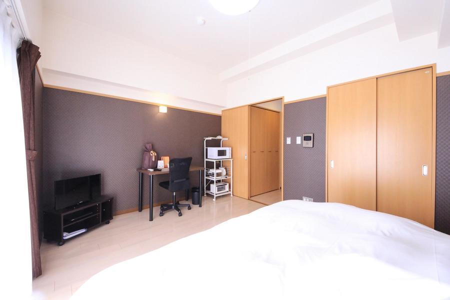 シーリングライトの他に間接照明も採用。より温かみのあるお部屋へ