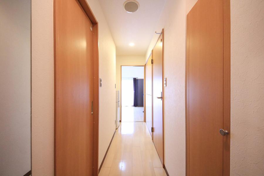 廊下も室内と同じフローリングタイプ。統一感があります