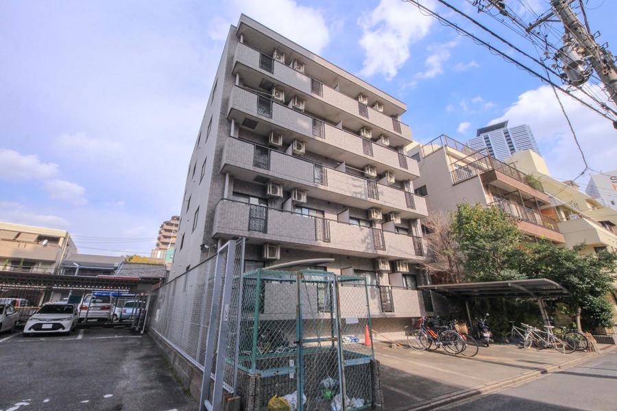 亀島駅より徒歩5分。名古屋駅も徒歩圏内でアクセス抜群の立地です