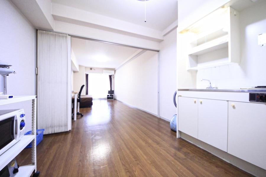 マンスリーとは思えない広さと動きやすさを兼ね備えたキッチン