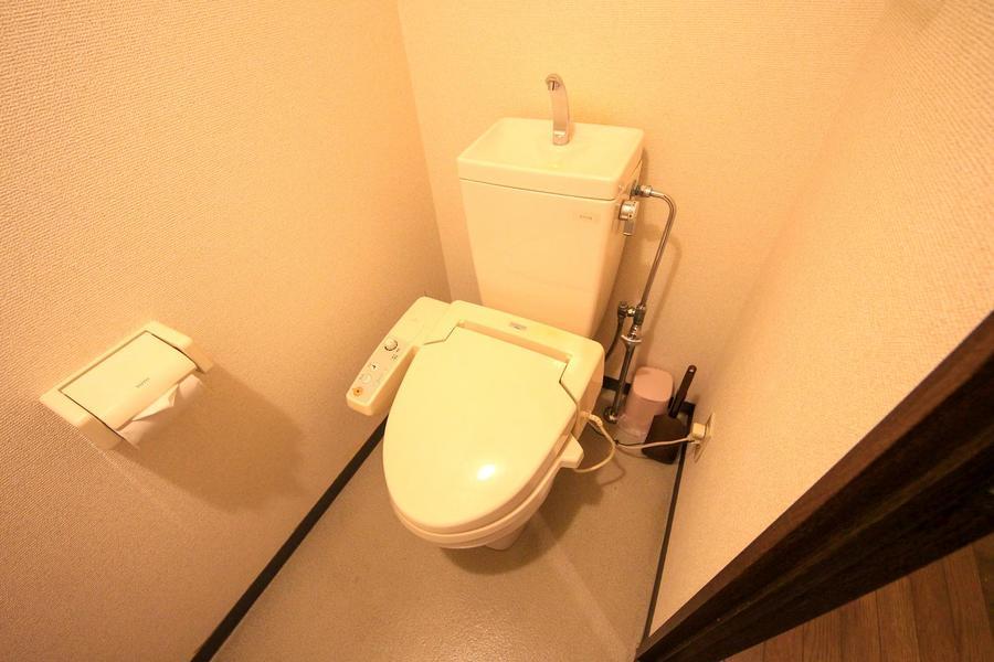 トイレは人気のセパレート式。衛生面も安心です