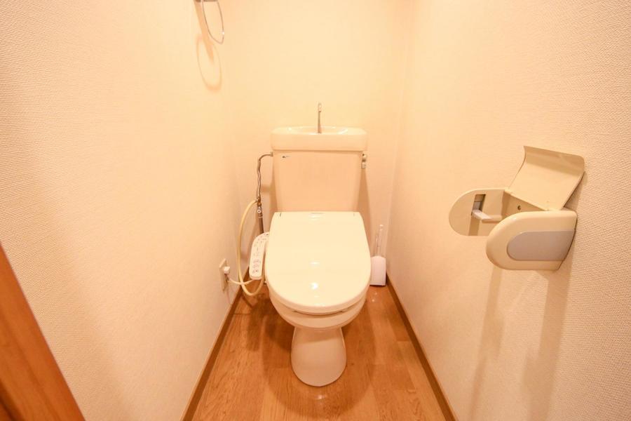 お手洗いは衛生面が気になる方も安心のセパレートタイプ
