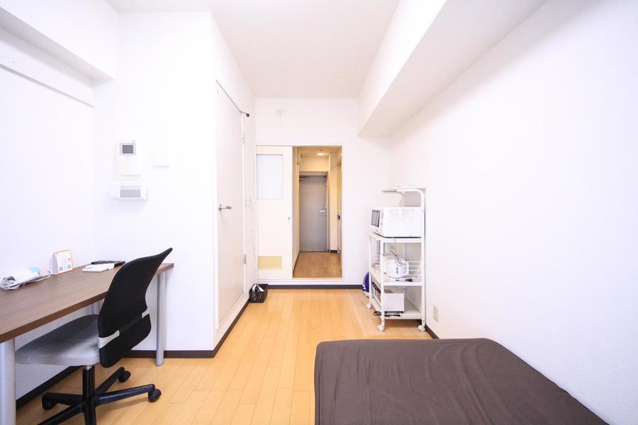 お部屋と廊下の間には仕切り扉付。プライバシー確保にお役立てください