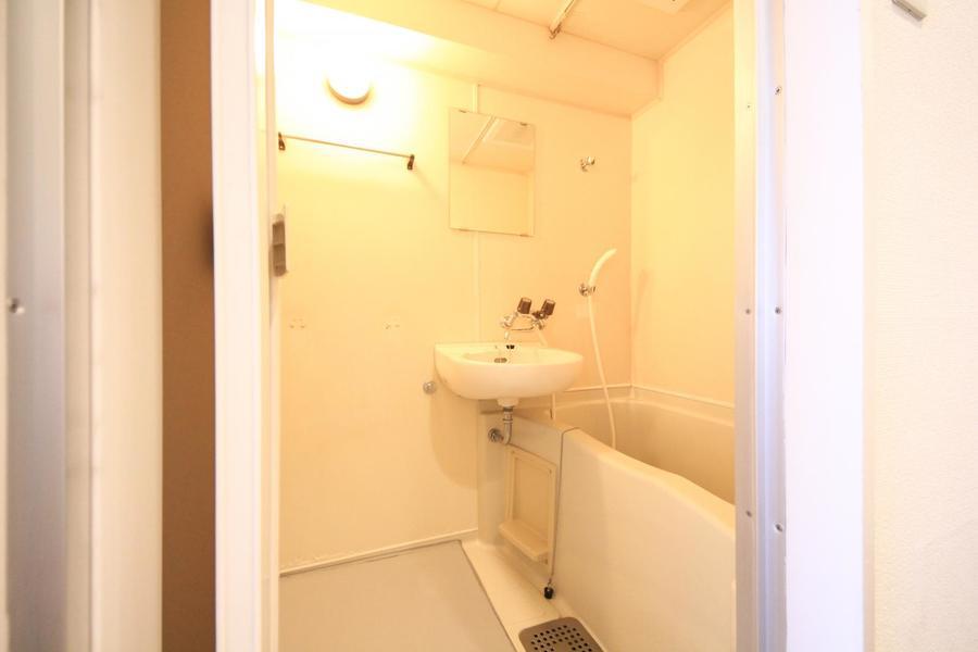 毎日の疲れを癒やすお風呂。清潔感あふれる空間です