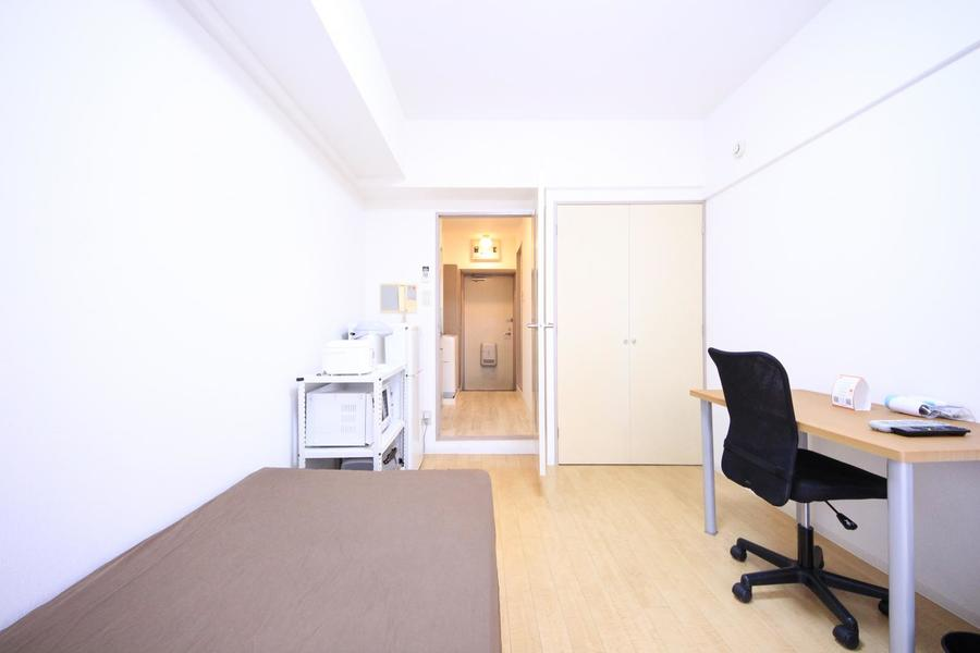 お部屋と廊下を区切る仕切り扉つき。室温管理、プライバシー確保に