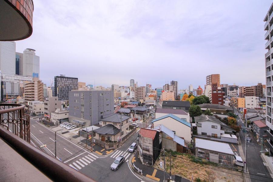 高層階ならではの抜けるような眺望が魅力。名古屋駅方面も臨めます