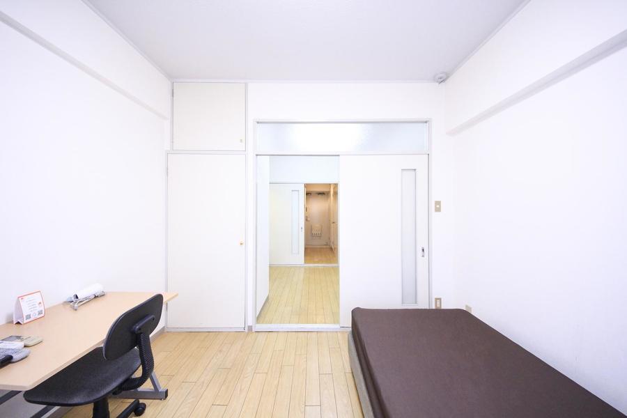 それぞれの部屋には仕切り扉が設置。外気が入り込むこともなく安心です