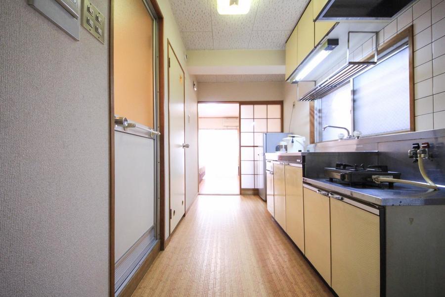 廊下はお部屋と同じフローリングで統一感があります