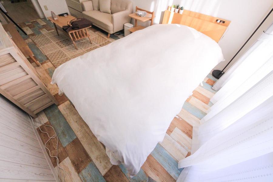 ゆっくりおやすみいただけるようベッドはセミダブルサイズをご用意