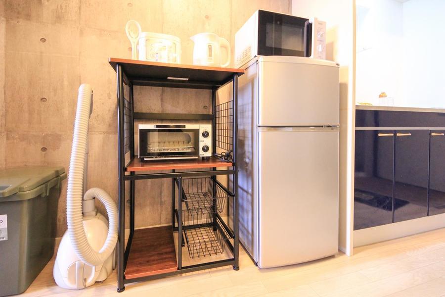 キッチンラックはウッド&メタルでシックなイメージに