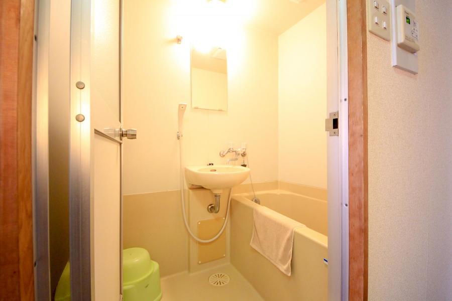 毎日使うバスルームは清潔感抜群!