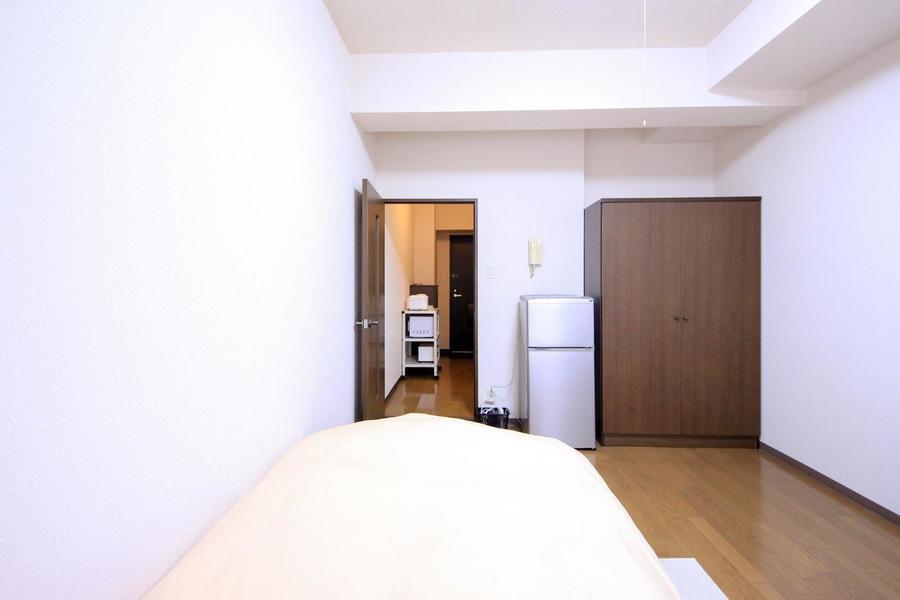 来客時、室温管理などには仕切り扉をご使用ください