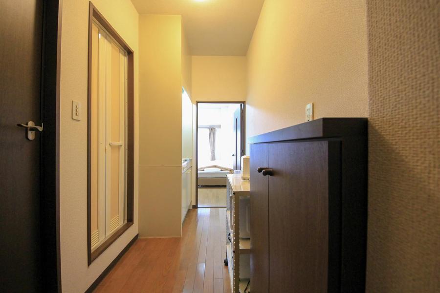 廊下もお部屋と同じくフローリングタイプで統一感があります