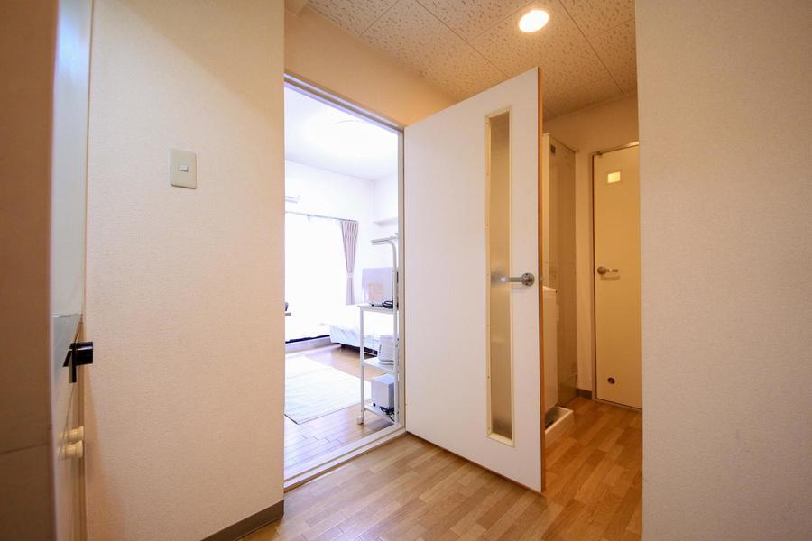 廊下もお部屋と同じくフローリングタイプ。風合いの違いをお楽しみいただけます