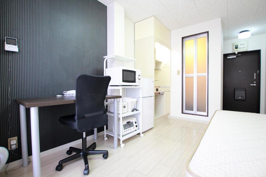 モノトーンを基調としたシックなデザインのお部屋です。
