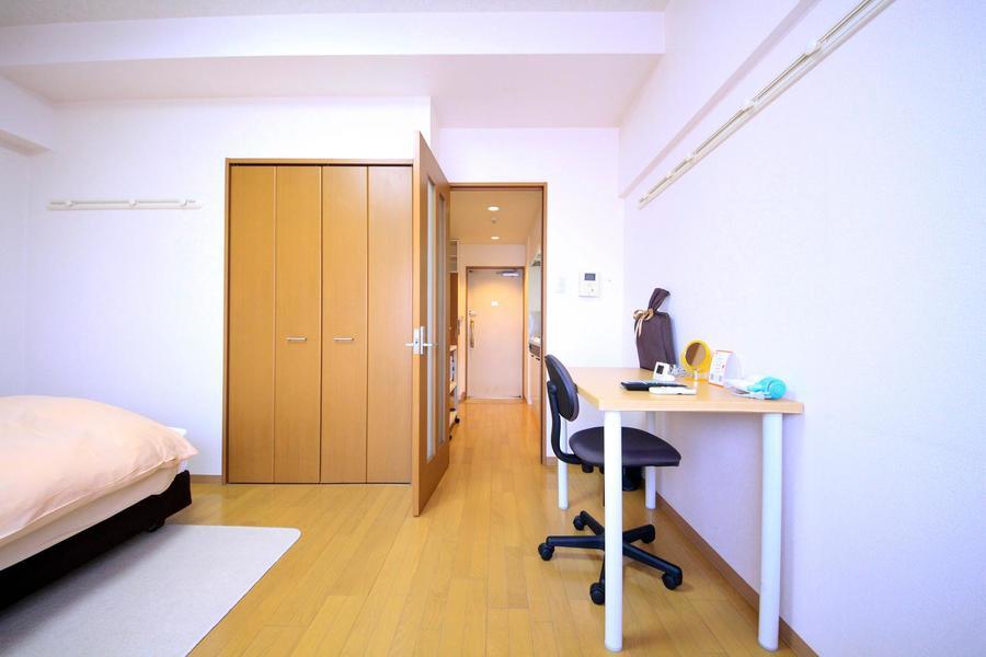 仕切り扉は来客の目隠しや室内温度調整などにお使いいただけます
