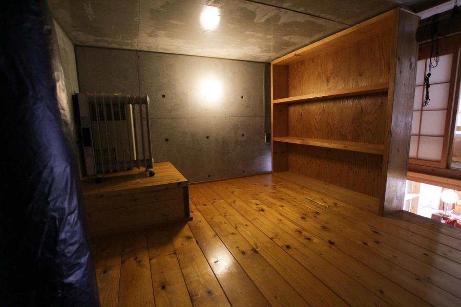 ロフト上には屋根裏のような空間があり、居室とはまた違った雰囲気が味わえます。