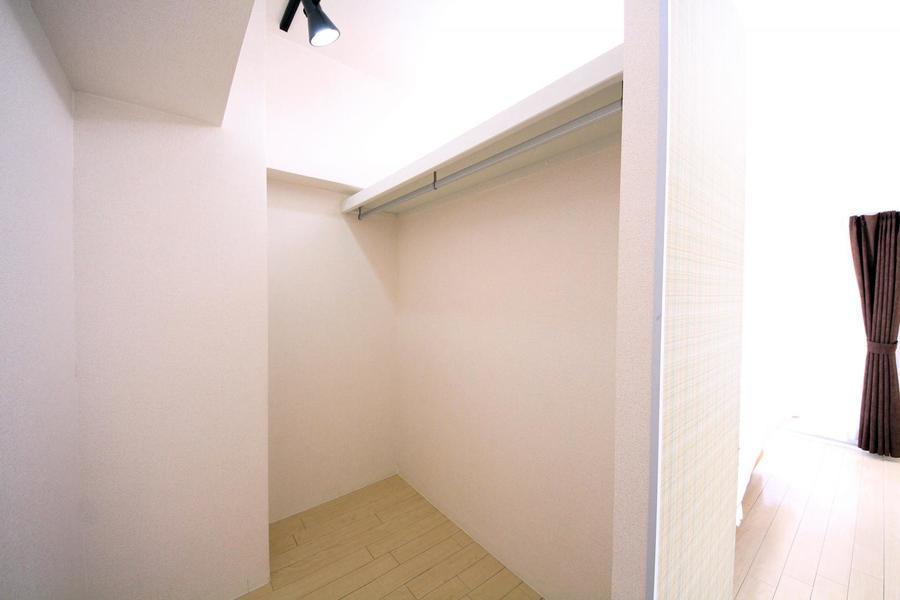 寝室にもクローゼットスペースがあるから衣類や荷物もスッキリ
