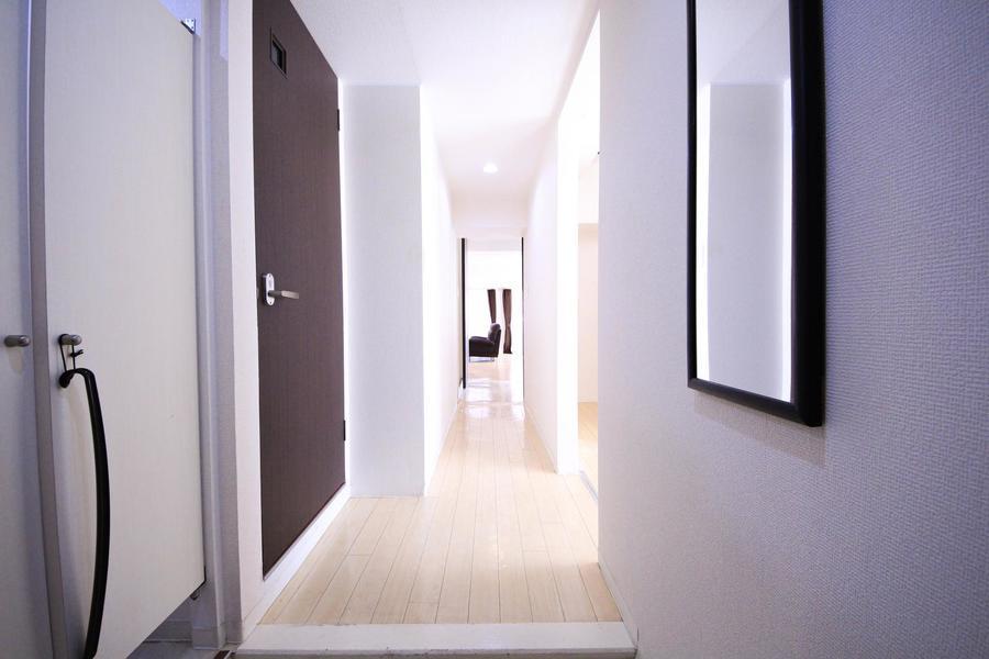 入り口から室内までは段差のないフラットなつくり