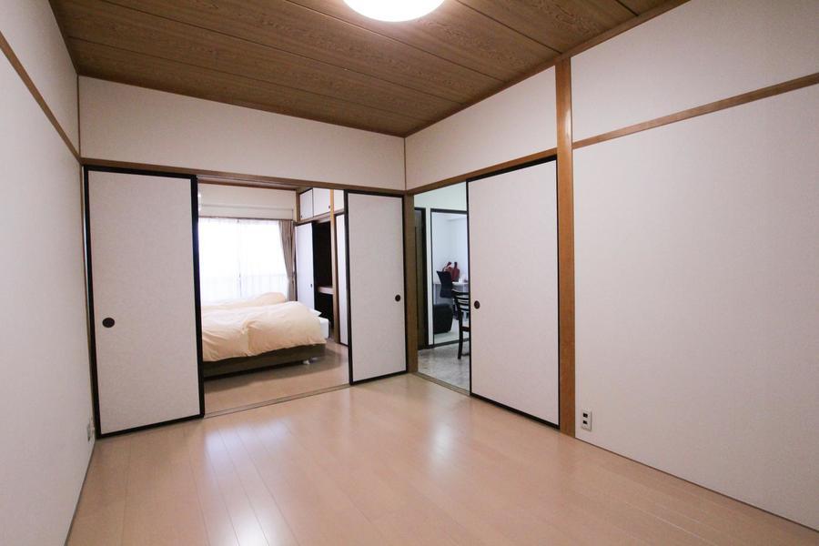 隣のお部屋との仕切りを取り払ってひとつのお部屋として使うことも可能です