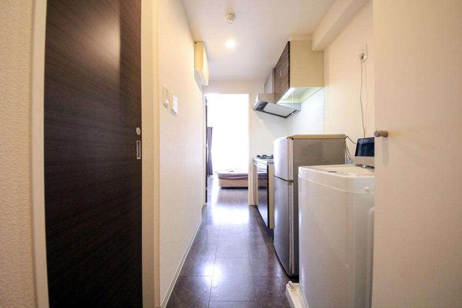 廊下もお部屋と同じ大理石調のフローリングで統一