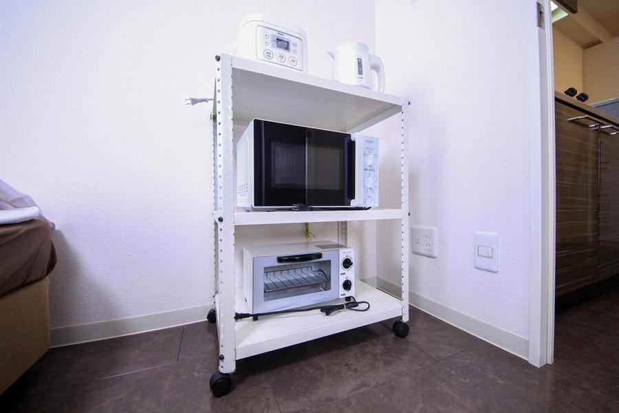 キッチン家電類は移動可能なレンジラックに集約