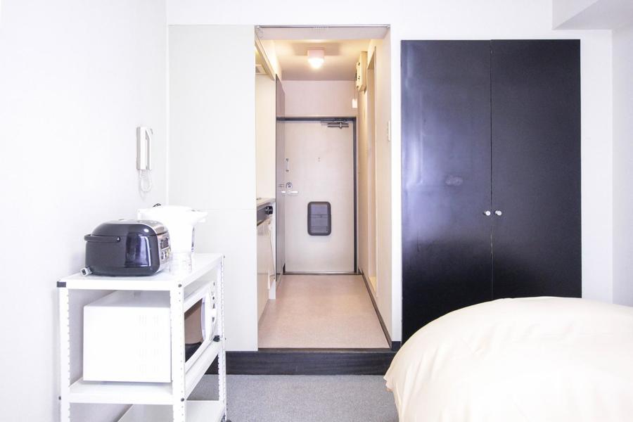 お部屋と玄関の間には仕切りがなく開放的です