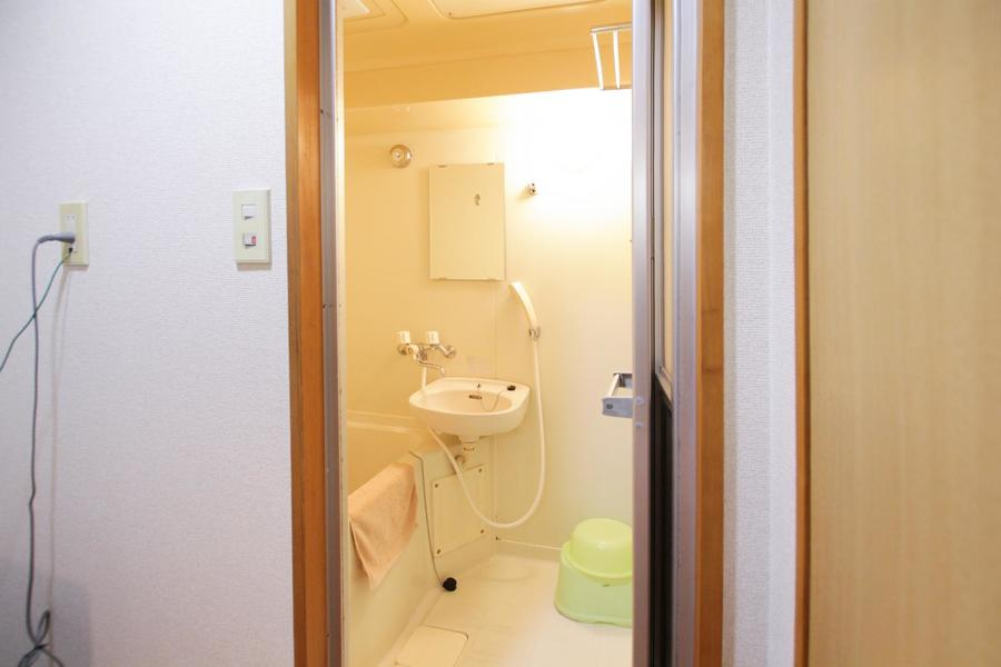 洗い場も広々お使いいただけるバスルーム