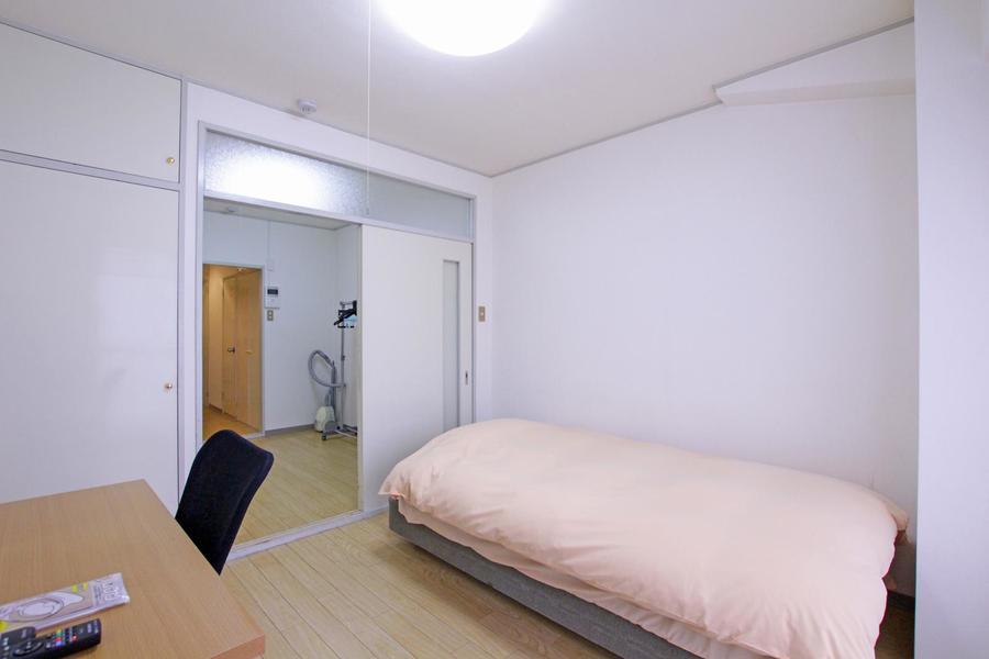 天井も高くコンパクトながら過ごしやすいお部屋となっています