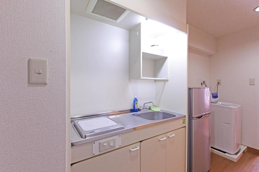 キッチンは使いやすいIHコンロを搭載。作業スペースも広めです