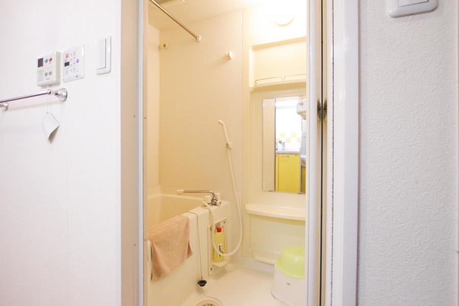 急な洗濯物でも安心の浴室乾燥機能を搭載