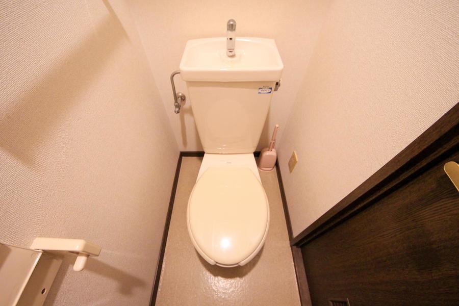 トイレはセパレート式で衛生面も安心です