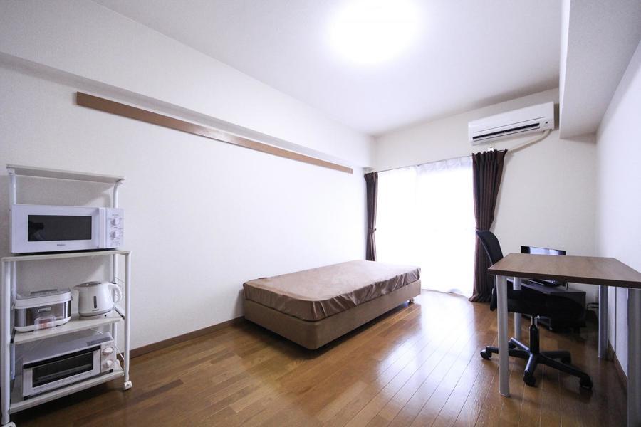 お部屋は約7帖。広すぎず狭すぎずのちょうどよい間取りです。