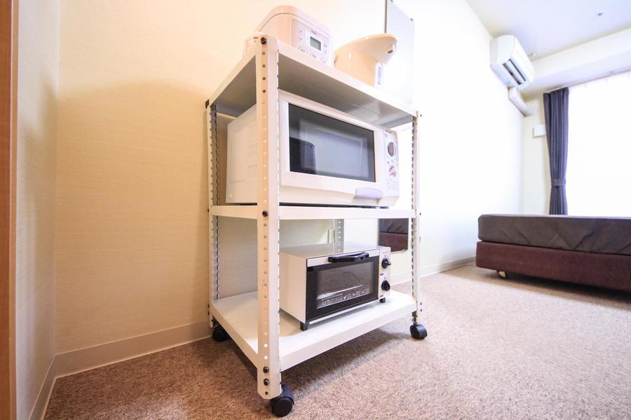 電子レンジなどのキッチン家電は使いやすいようワゴンラックに集約