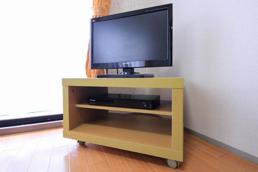 テレビは22型。DVDプレイヤーもご用意しております