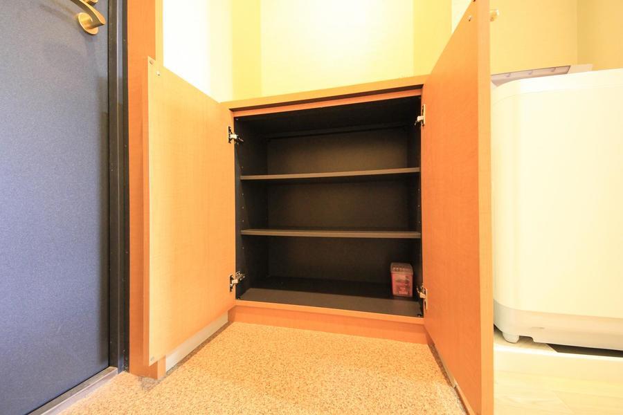 玄関には小型のシューズボックスを設置しています