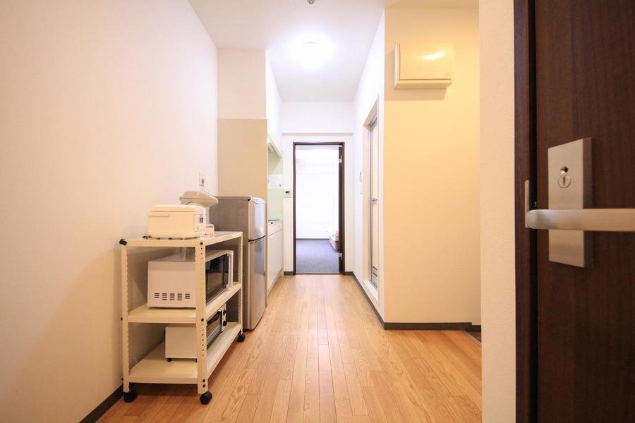 キッチン周辺はフローリング。お部屋とはまた違った雰囲気です