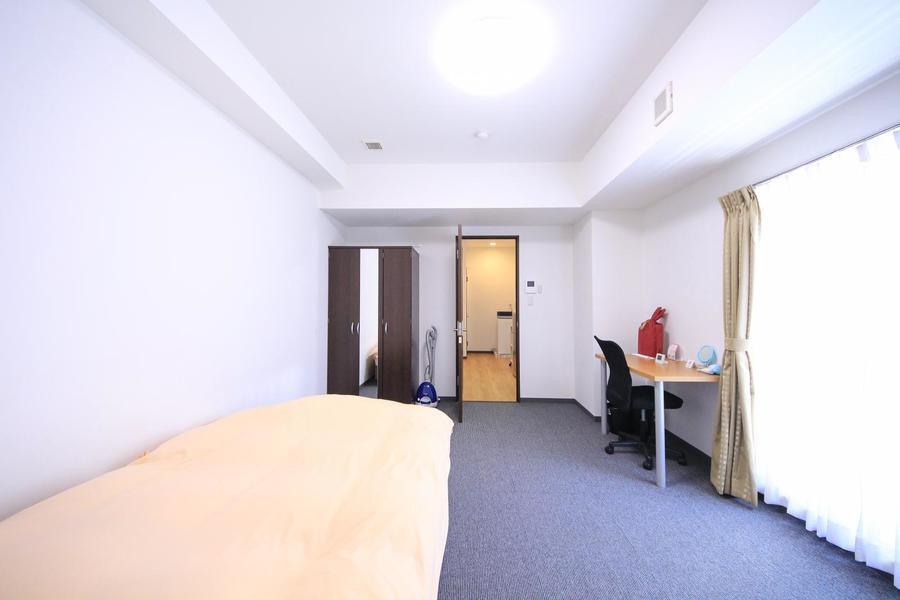 お部屋とキッチンの仕切り扉はプライバシー確保や室温管理に役立ちます