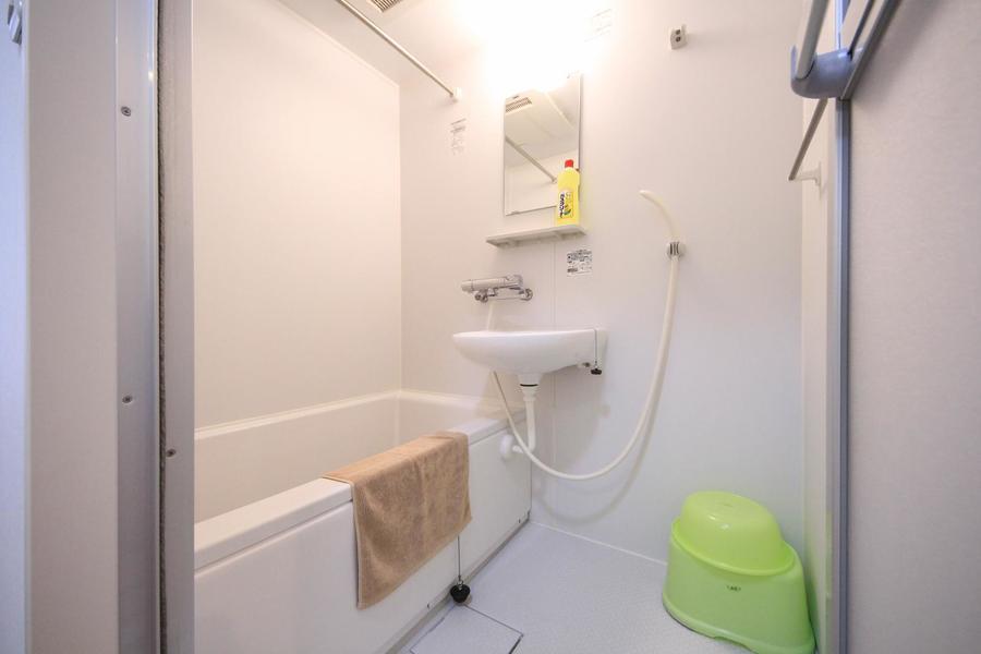 お風呂は嬉しい浴室乾燥機能つき。急ぎの洗濯物もおまかせください