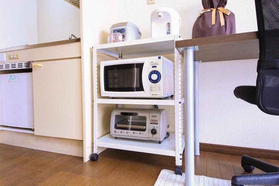 キッチン家電はラックにまとめて配置。お好きな場所に移動できます