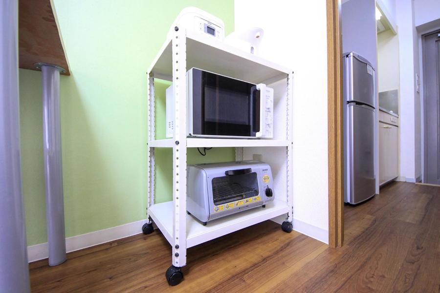 電子レンジの他、テレビなどの家電類をご用意しています