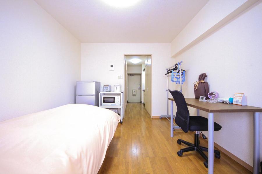 お部屋と廊下には仕切りがないため、すっきりとした印象