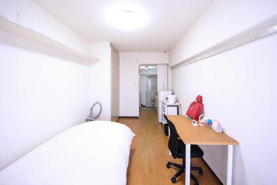 お部屋と廊下の間には扉がないためすっきりとした印象です