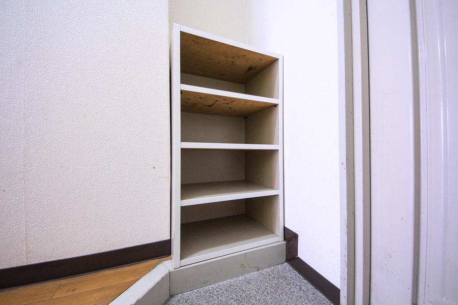 散らかりやすい玄関には嬉しいシューズボックス付き